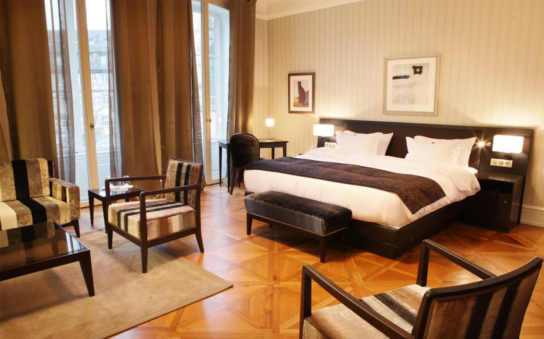 revslide-hotel-ettenheim-chambre01-01.jpg