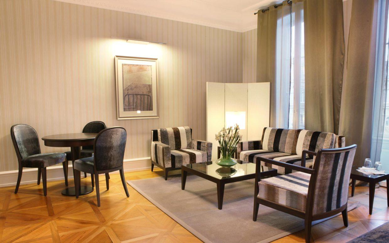 revslide-hotel-ettenheim-chambre01-02.jpg