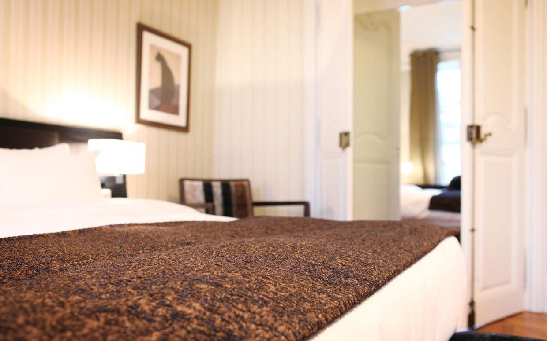 revslide-hotel-ettenheim-chambre01-04.jpg