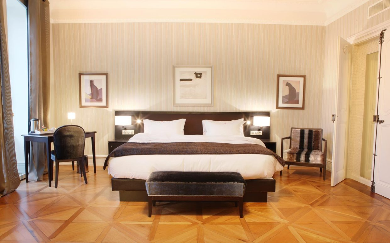 revslide-hotel-ettenheim-chambre01-05.jpg
