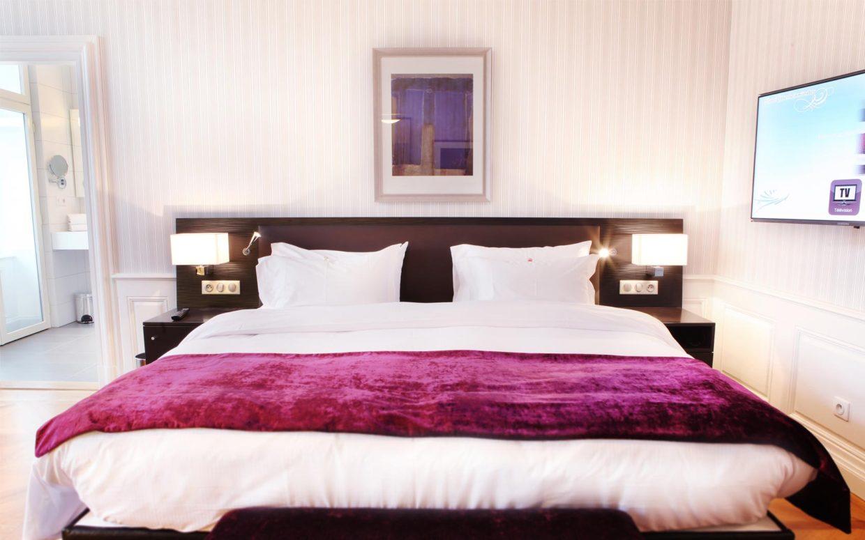 revslide-hotel-ettenheim-chambre02-02.jpg