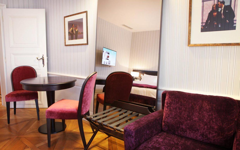 revslide-hotel-ettenheim-chambre02-04.jpg