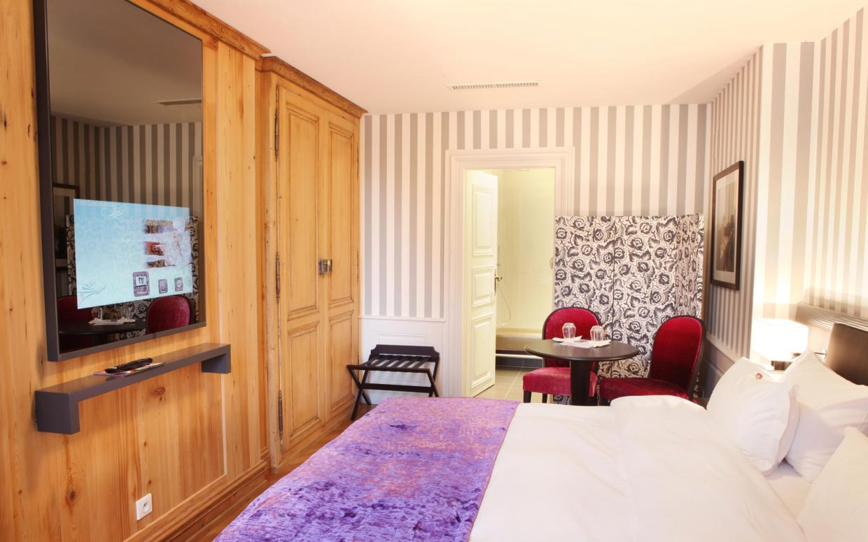 revslide-hotel-ettenheim-chambre03-01.jpg