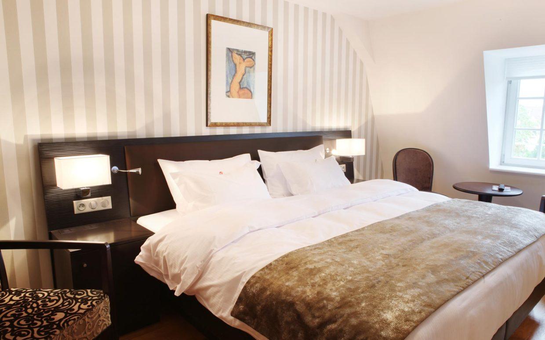 revslide-hotel-ettenheim-chambre04-01.jpg