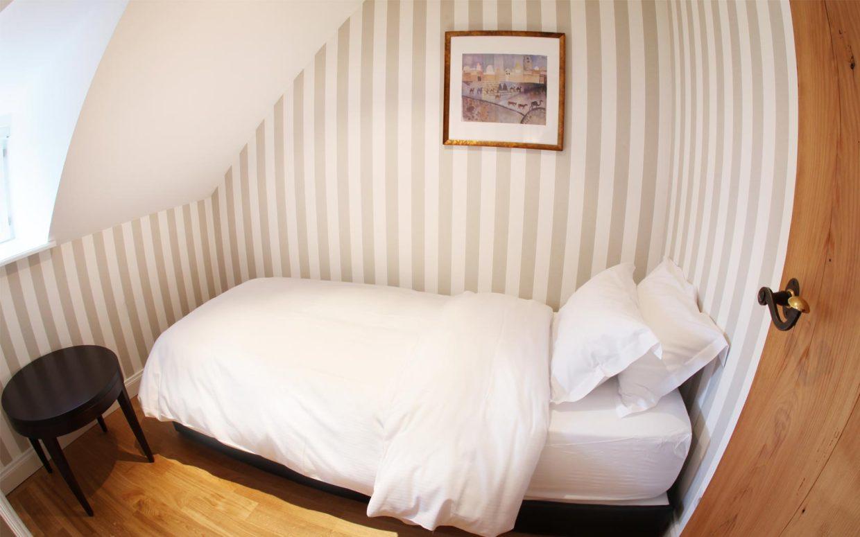 revslide-hotel-ettenheim-chambre04-02.jpg