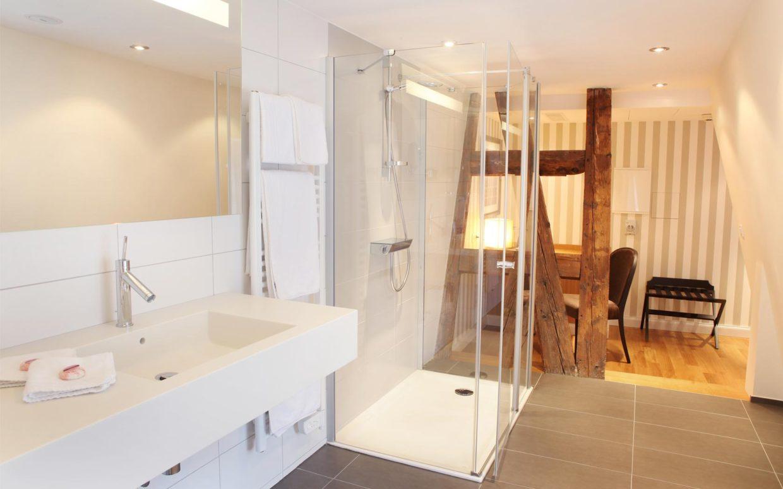 revslide-hotel-ettenheim-chambre04-03.jpg