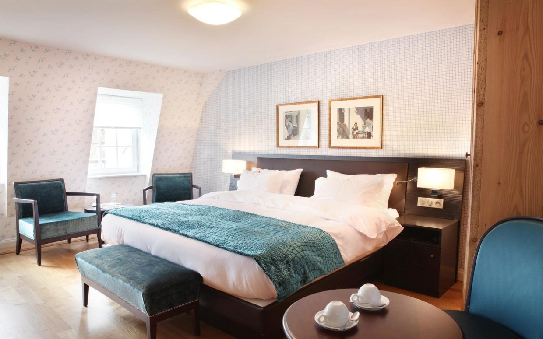 revslide-hotel-ettenheim-chambre05-01.jpg