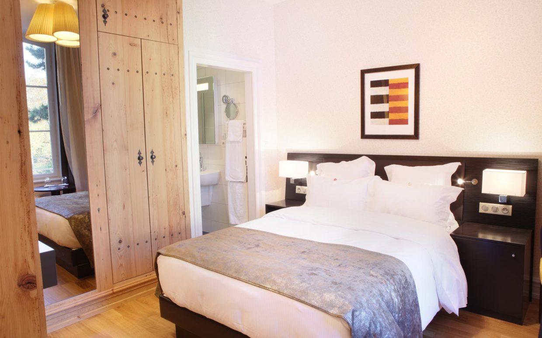 revslide-hotel-ettenheim-chambre07-02.jpg